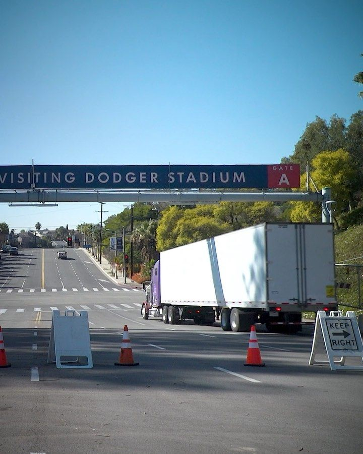 Los Angeles Dodgers Hear That Sounds Like Dodgersst Is Near In 2020 Los Angeles Dodgers Dodgers Los Angeles