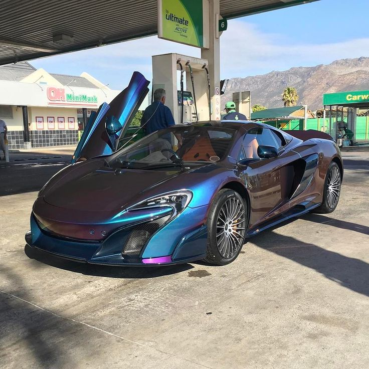The colours that pop out off this 675LT Spider under sunlight are something else  Great spot by @extreme_supercar  #ExoticSpotSA #Zero2Turbo #SouthAfrica #McLaren #675LTSpider #CapeTown