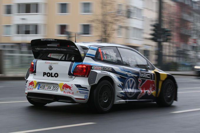 VW Polo WRC in Düsseldorf: Im Rallye-Auto durch die City (Bildergalerie, Bild 6) - AUTO MOTOR UND SPORT