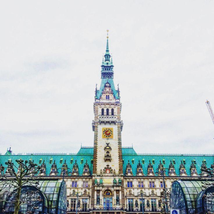 Hamburg Travel Rathaus
