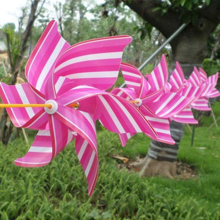 Girlande von Windrädern mit Streifen in Pink und Weiß