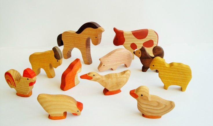 Farm Animals Toy Set (11pcs) Waldorf toys Wooden animals Pretend play Waldorf nature table Animal figures Handmade Eco 1/64 farm toys par WoodenCaterpillar sur Etsy https://www.etsy.com/fr/listing/244296578/farm-animals-toy-set-11pcs-waldorf-toys