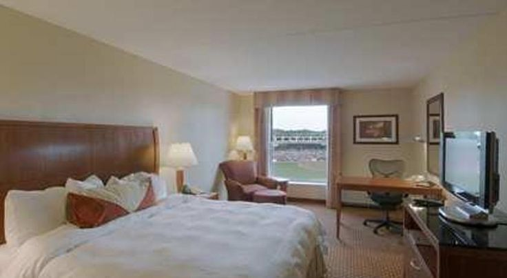 Hilton Garden Inn Manchester Downtown Manchester Located in Manchester's historic Millyard District, this hotel is within walking distance of the Verizon Wireless Arena. It features an indoor pool and free shuttle services within a 8 km radius.