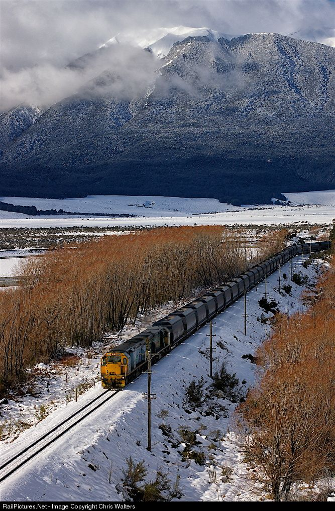 RailPictures.Net Photo: DXH5448 Kiwi Rail DXH Class at Cass, New Zealand by Chris Walters