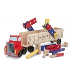 Tento odolný, dvoudílný tahač pro traktory je připravený k jízdě...a ke stavení!
