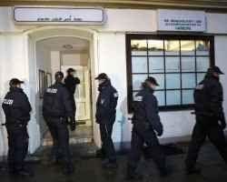 Blitz in Germania, agenti contro sospetti dello Stato Islamico Maxi operazione antiterrorismo in Germania contro un gruppo vicino allo Stato Islamico. Setacciati numerosi edifici nelle principali città tra cui Berlino, Francoforte e Brema. L'associazione che rif #isis #germania #antiterrorismo #terror