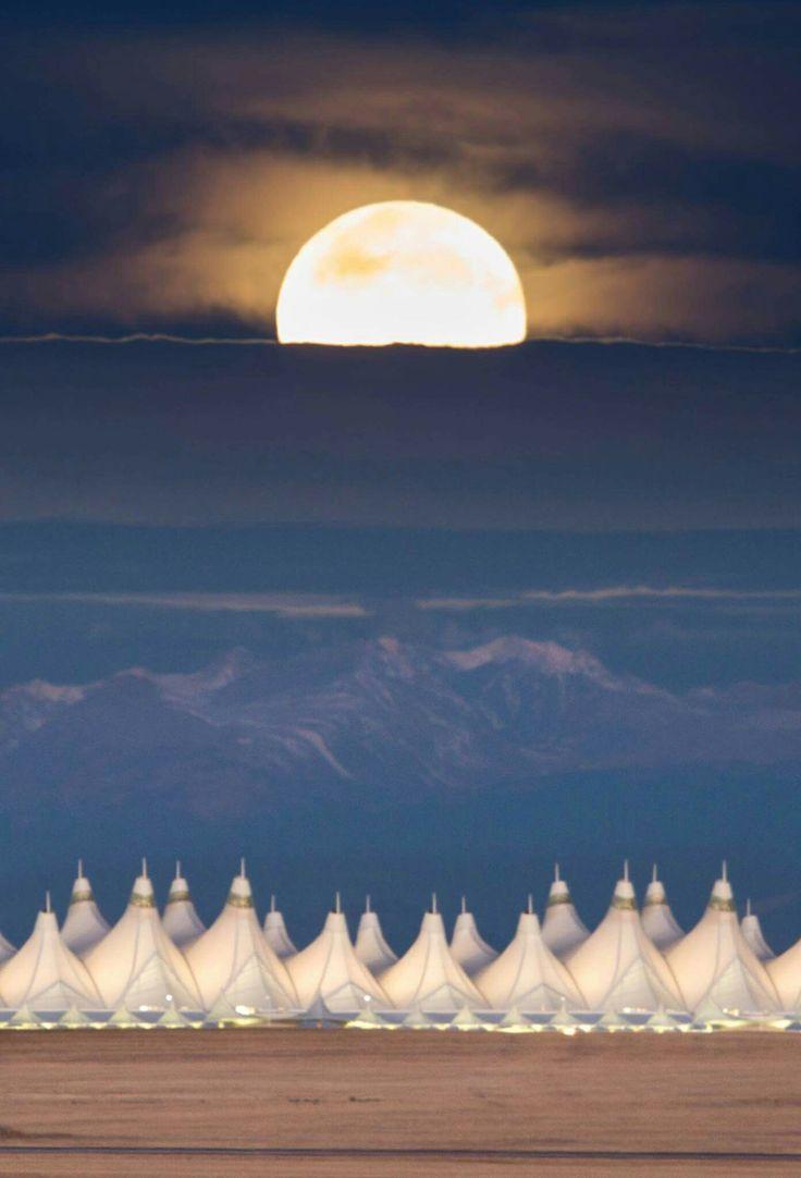 Super Moon 2016 over Denver International Airport
