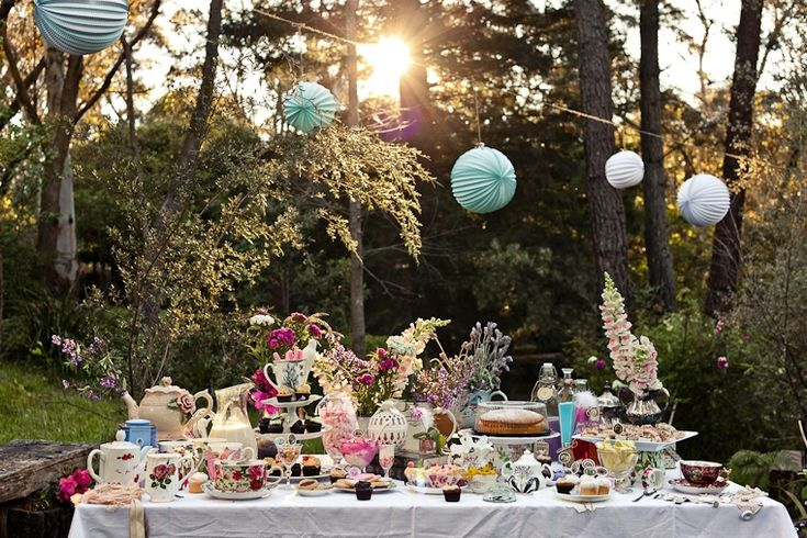 Vintage tea party www.prettymyparty...
