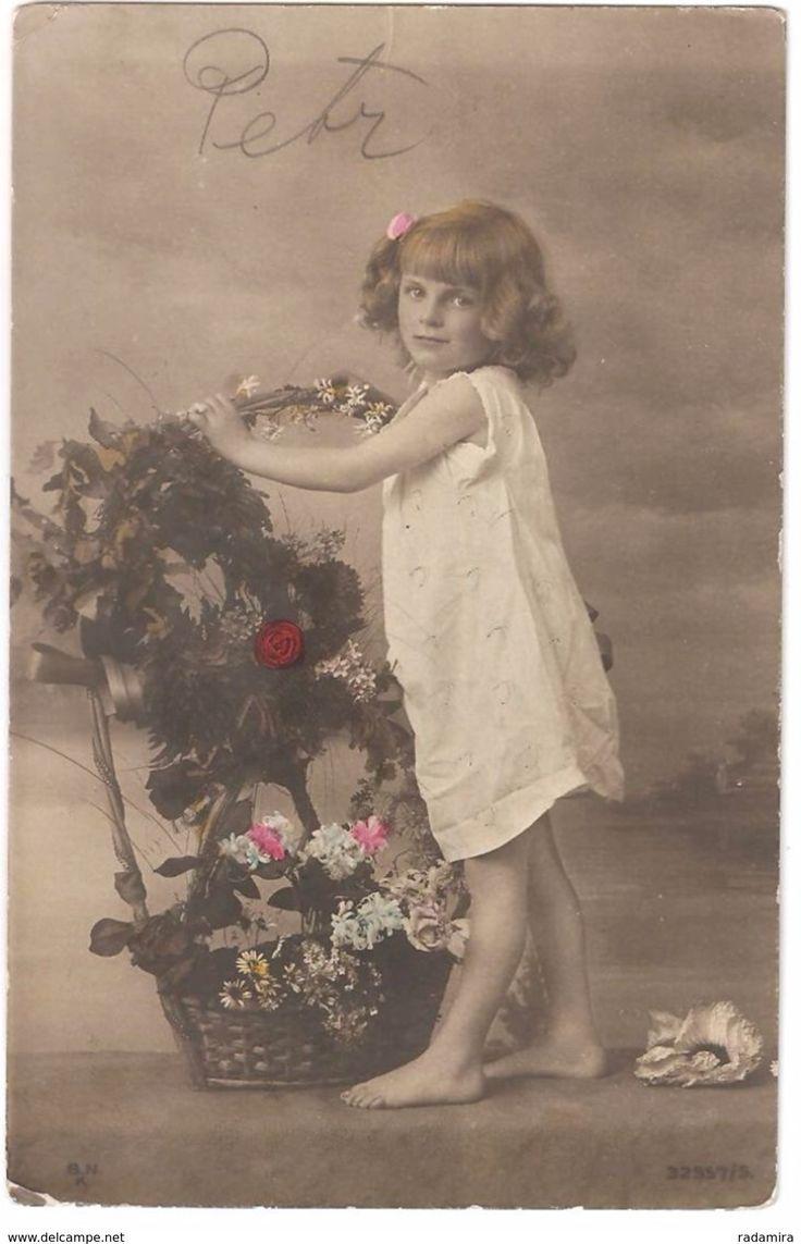 "Genuine vintage postcard ""The Girl With A Basket Of Flowers"" MAGYAR KIR POSTA HUNGARY 1907."