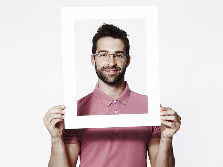 Twój mężczyzna ciężko pracował na nową sylwetkę? Sesja fotograficzna to kreatywny pomysł na prezent dla chłopaka, który będzie ukoronowaniem tego sukcesu. Pora na nowe profilowe!