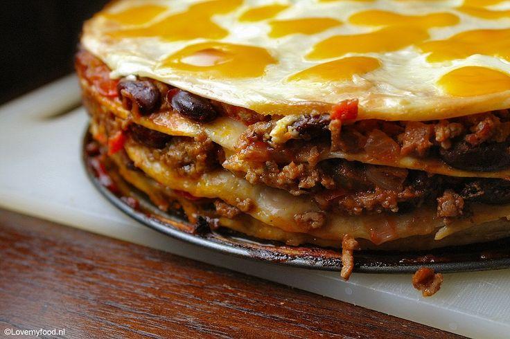 Lasagne meets chili con carne! Het was zo lekker dat deze Mexicaanse wrap lasagne hier zeker vaker op tafel gaat komen! Voor dit recept heb ik twee van mijn