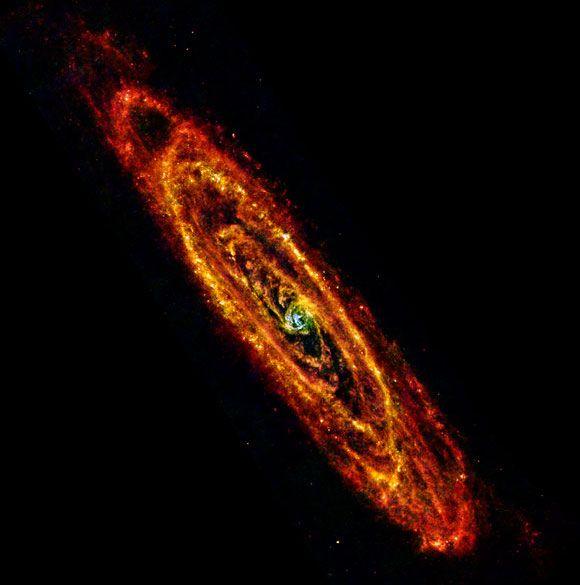 La polvere fredda della galassia di Andromeda - Focus.it