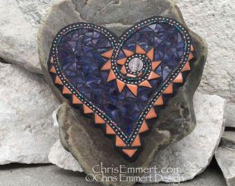 Corazón púrpura con Sun Burst mosaico-jardín de piedra