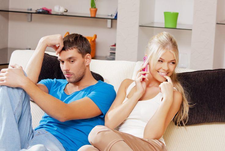 Ini yang  Harus Dilakukan Bila Pasanganmu Tipe Pencemburu