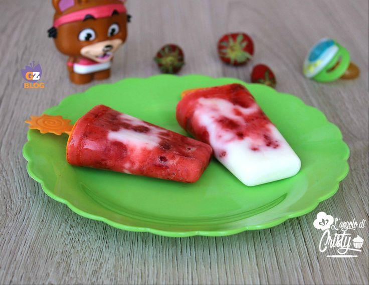 Sono buonissimi questi sorbetti fior di fragola allo yogurt, per una sana e rinfrescante merenda.. Ricchi di frutta e vitamine e frutta !