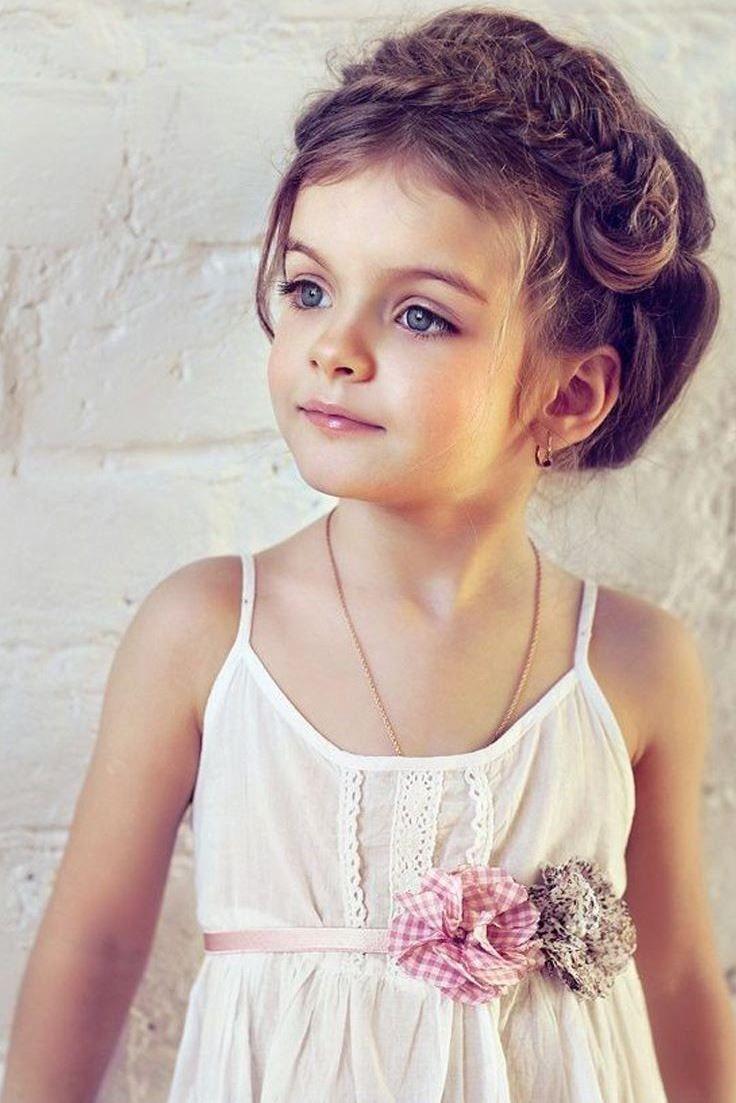 Les 25 meilleures id es de la cat gorie coiffure petite fille mariage sur pinterest coupes - Coupe de mariage pour petite fille ...