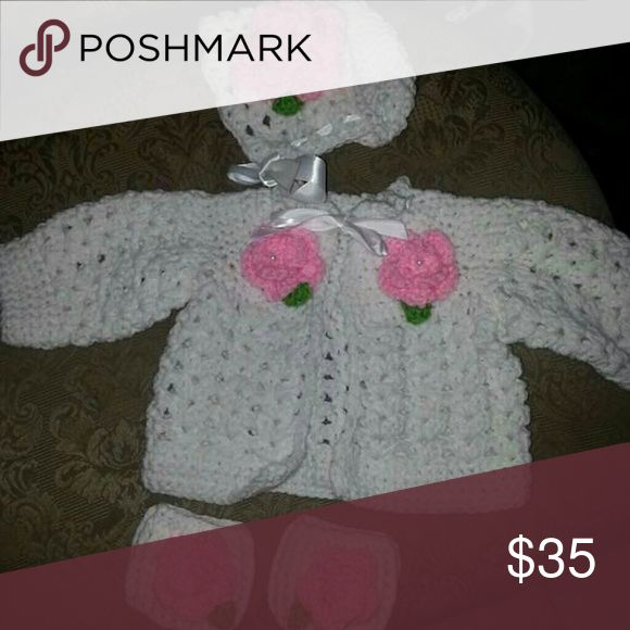 Sweet baby girl bonnet and sweater set New crochet bonnet, sweater and legwarmers for newborn baby girl. White and pink with a pearl on each flower. Made to order so please allow 7 days for shipping. Other #babygirlsweaters