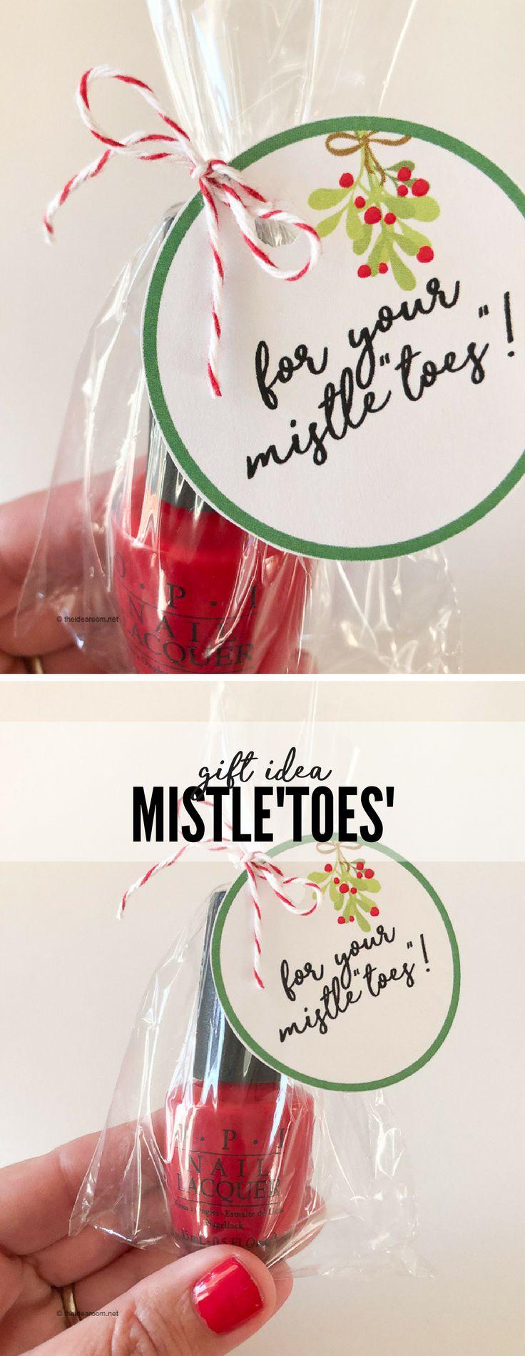 Christmas Gift   Christmas Printable   Free Printable   Whip up this simple Mistletoes Nail Polish Gift for your friends and family.