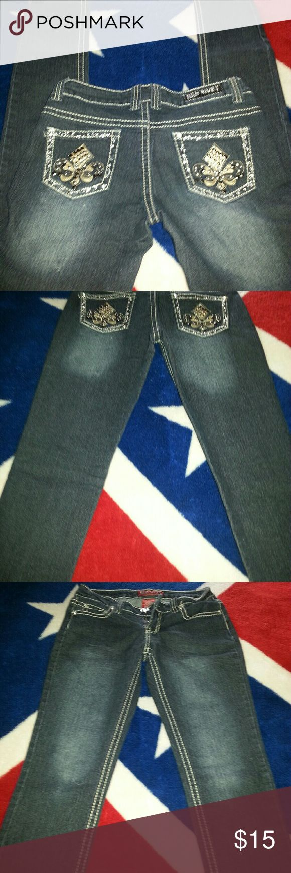 Red Rivet Jeans Very petite skinny jeans but really cute for that skinny lady size 5 actually as seen in tag Red Rivet Jeans Skinny