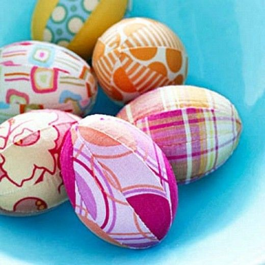 Plastic egg craft ideas for kids and adults. Make maracas, teacups, tea party hats, critters, wreaths, bunnies, chicks, garlands using plastic Easter eggs. What to do with plastic eggs. Craft projects