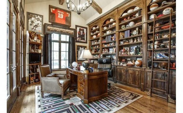 Home Office Space With Rustic Design Officedesign With Images