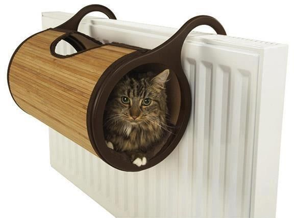 Cat warmer - what an awesome idea for cats in winter!