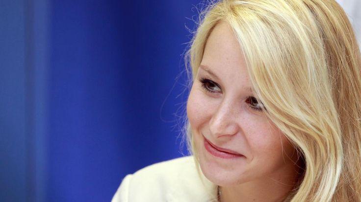 La députée FN du Vaucluse, Marion Maréchal-Le Pen, le 18 octobre 2014 au Pontet (Vaucluse). | ALAIN ROBERT / APERCU / SIPA