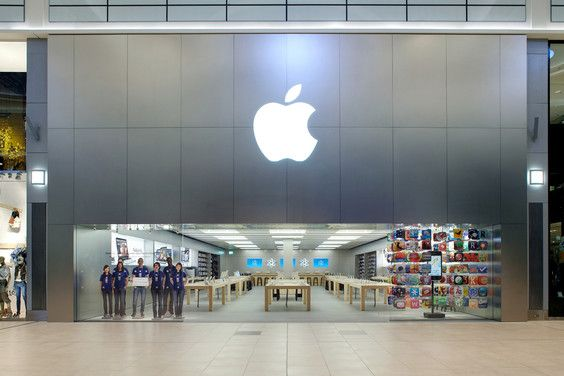 What Microsoft flagship stores can learn from Apple retail ...