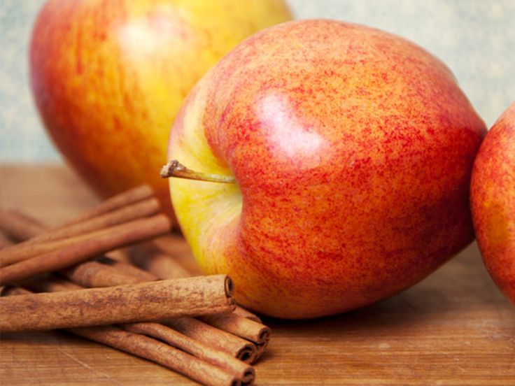 Apples And Cinnamon http://www.prevention.com/food/cook/25-flat-belly-sassy-water-recipes/apples-and-cinnamon
