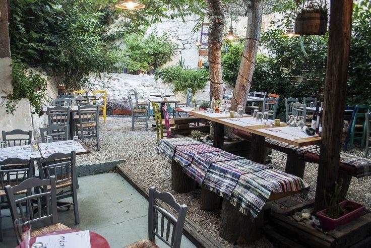 Το Σαραντατρίο της οδού Φραντζή επενδύει στην ελληνική κουζίνα και στα προϊόντα μικρών παραγωγών.