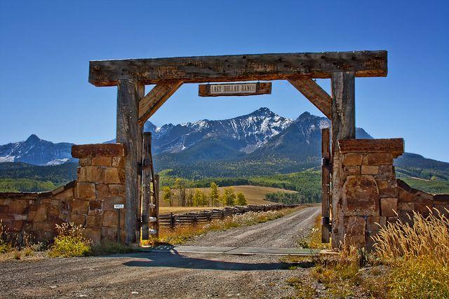 33 best images about driveway on pinterest entry gates for Ranch entrances ideas