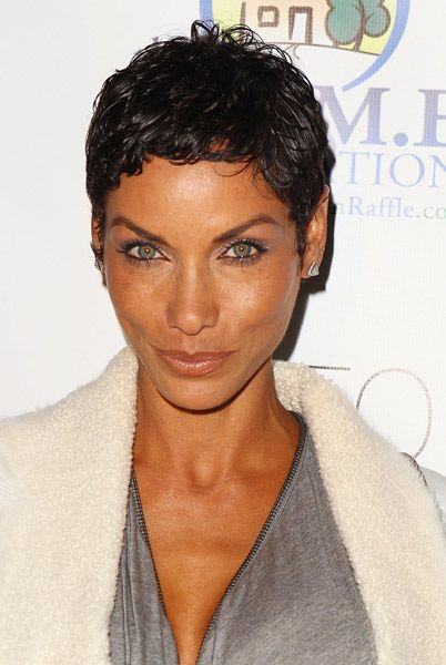 Nicole Murphy natural born swag... she ain't worried bout nothing!