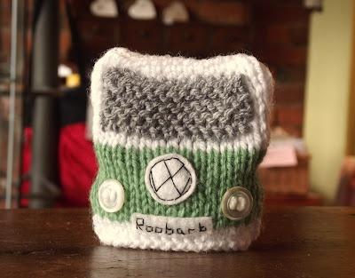 handmade knittedcampervanegg cosie