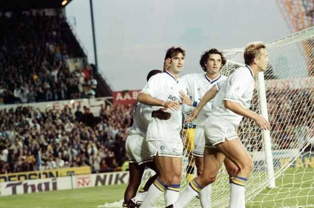 Leeds United | Campeão Inglês em 1992  Grande equipa inglesa no início dos anos noventa, onde actuavam jogadores como Eric Cantona ou Gary Speed.