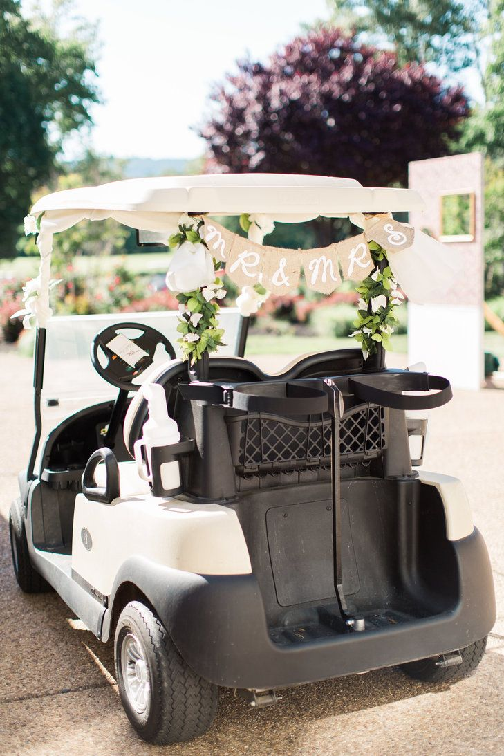 Golf-Cart Wedding Transportation | Bull Run Golf Course | Design in Bloom | Alicia Lacey Photography https://www.theknot.com/marketplace/alicia-lacey-photography-washington-dc-871253