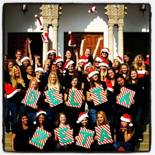 Cute holiday photo idea! Some Delta Zeta sisters at Loyola Marymount University.
