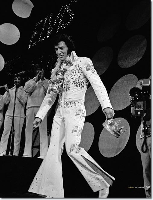 Elvis Presley : Aloha From Hawaii : 1973 : A previously unseen photo featured in the Boxcar book, Aloha Via Satellite.