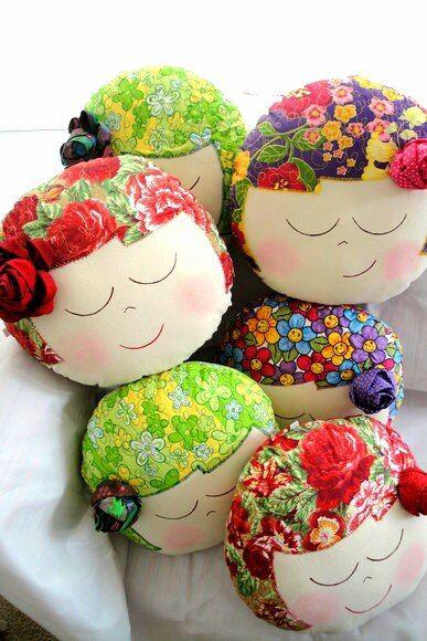 Almohaditas de muñequitas