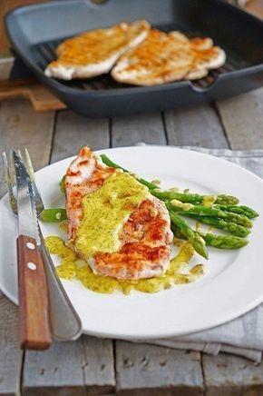 Фото к рецепту: Курица в горчичном соусе со спаржей