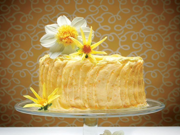 Expecting a twist on cheesecake? You're in for an even sweeter surprise. These cake layers are filled with a buttery rich lemon curd...
