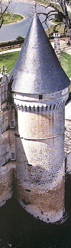 Castelos medievais: Alcácer de Segovia: castelo do heroísmo altaneiro