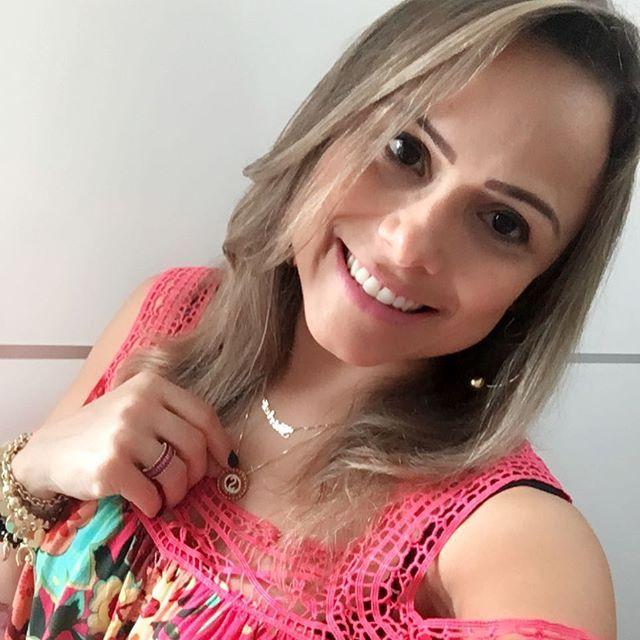 """""""Bem Vindo Setembro🌻 Que nos traga muita alegria! Concentre seus pensamentos em acontecimentos bons. Luz atrai Luz. Positividade atrai milagres. [Ana Nunes]  #bomdia #happy #photography #life #riograndedonorte #portovelho #blogueira #esteticista #cool #my #instagood #instagram #brazil #positividade #shirleinegreiros"""" by @shirleinegreiros. #ganpatibappamorya #dilsedesi #aboutlastnight #whatiwore #ganpati #ganeshutsav #ganpatibappa #indianfestival #celebrations #happiness #festivalfashion…"""