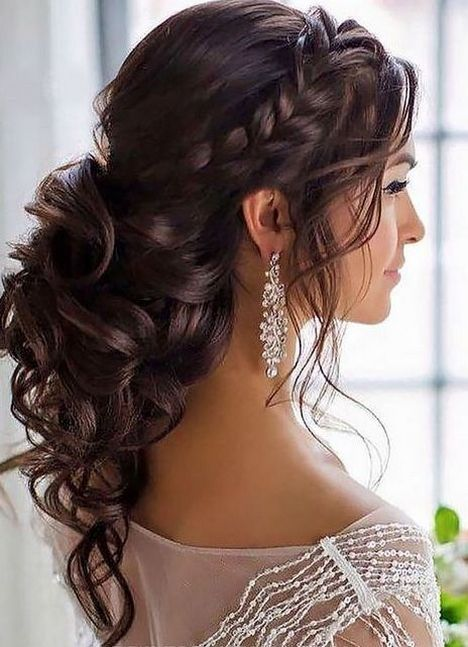 100+ Beautiful Bridesmaid Hairstyles Half Up Ideas https://femaline.com/2017/05/23/100-beautiful-bridesmaid-hairstyles-half-up-ideas/