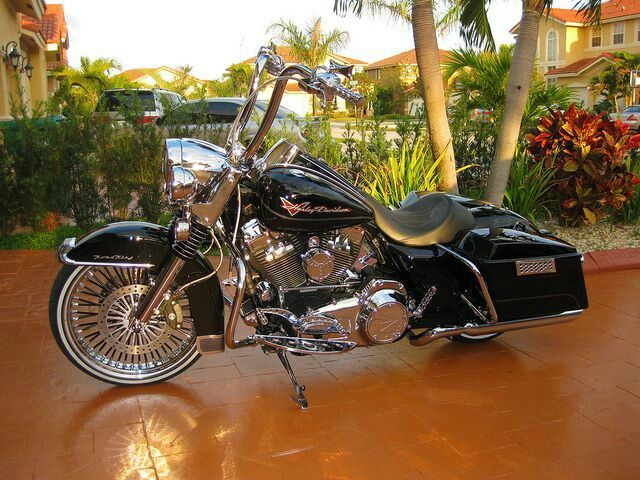 Harley Davidson Road King ℋ