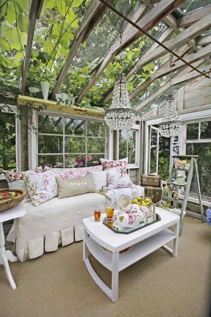 Shabby Chic Einrichtung für ein Gartenhaus