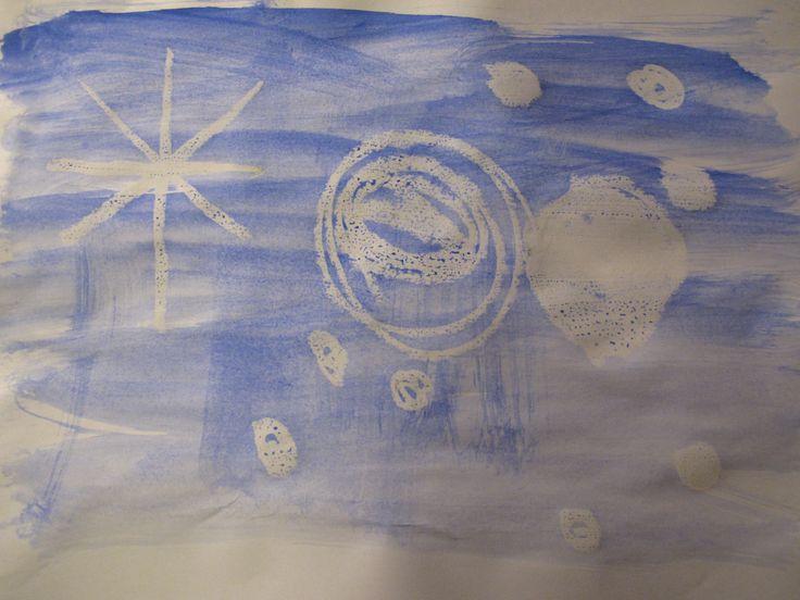 Mit heller Jaxon Kreide Schnee Motive Malen und mit Tusche übermalen. Wirkt wie Zauberbild, da die Kreide erst dann erscheint