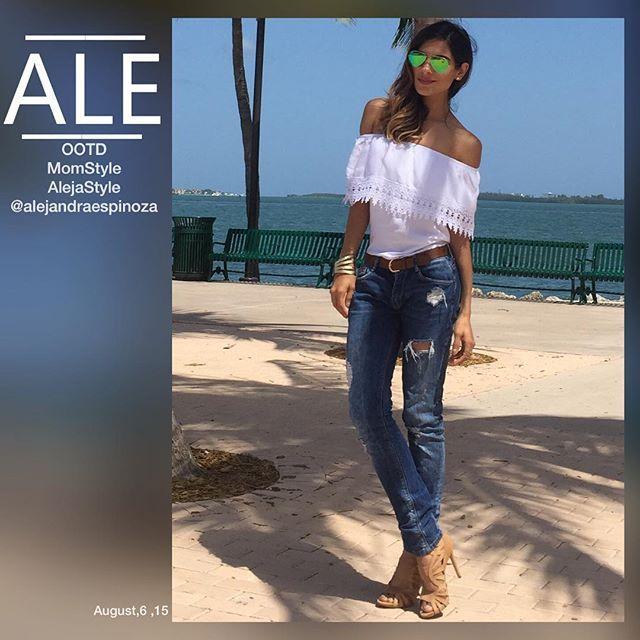 Alejandra Espinoza @alejandraespinoza