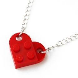 Lego heart chain - single chain - and instructions on how to make what bricks to get