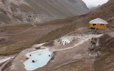 Baños colinas cerca de Santiago de Chile unas termas maravillosos