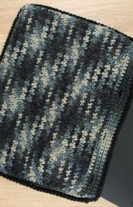 Laptop Case Free Crochet Pattern from Red Heart Yarns